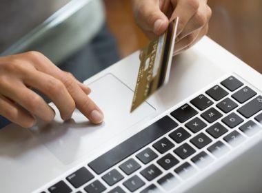Pela primeira vez maioria dos brasileiros vai preferir fazer compras do Natal na internet