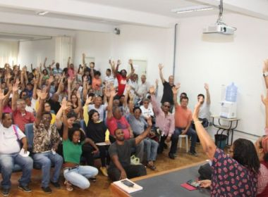 Servidores administrativos da Ufba realizam assembleia e decidem por greve