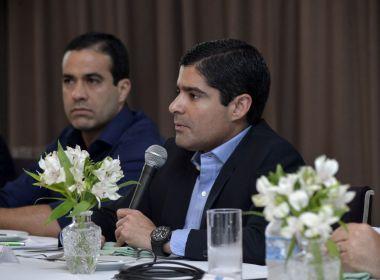 'Janeiro e fevereiro são meses de conversa', despista Neto sobre candidatura em 2018