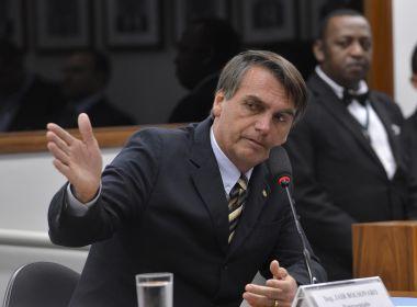 Bolsonaro pode se filiar ao PR ou PSL para disputar eleição, afirma coluna