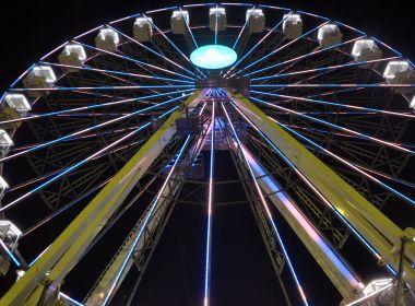 Roda gigante atrai cerca de 10 mil pessoas na primeira noite do Festival Virada Salvador