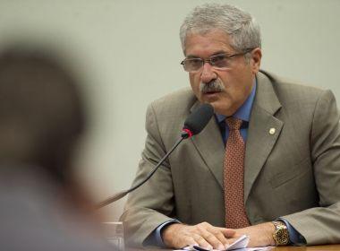 Por votos pró-reforma, Temer promete cargo ao PR, partido liderado por aliado de Rui