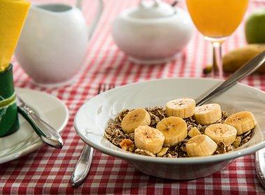 Dieta carente em fibras é nociva à flora intestinal humana por gerações, diz pesquisa